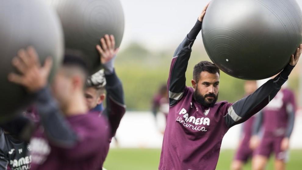 Mario Gaspar, durante un entrenamiento del Villarreal.
