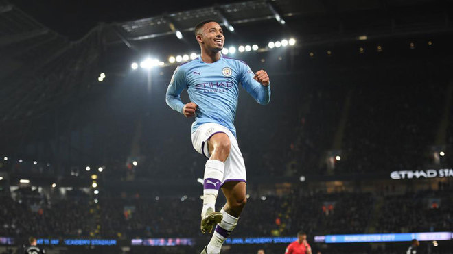 Gabriel Jesus celebra uno de sus goles al Everton.