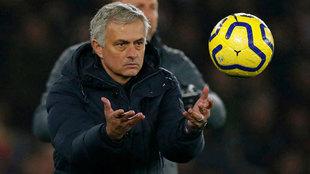 Mourinho, durante el partido ante el Southampton.