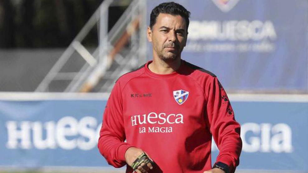 """Míchel Sánchez: """"¿Los cinco cambios? Lo que me preocupa es jugar cada tres días"""""""
