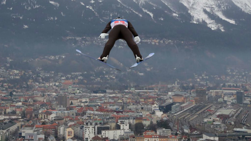 Marius Lindvik, en la prueba de Innsbruck.