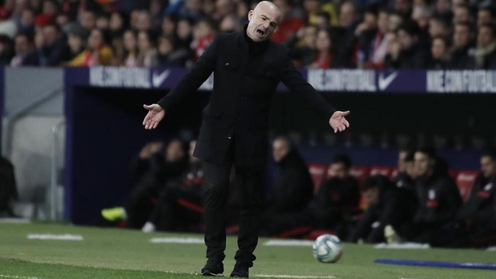 Paclo López se lamenta en un momento del Atlético de Madrid Levante.