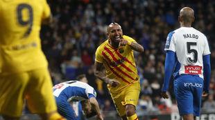 Arturo Vidal celebra su gol