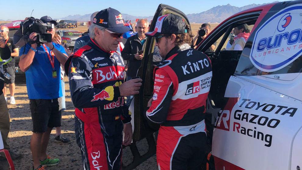 Sainz y Alonso, charlando tras la primera etapa.