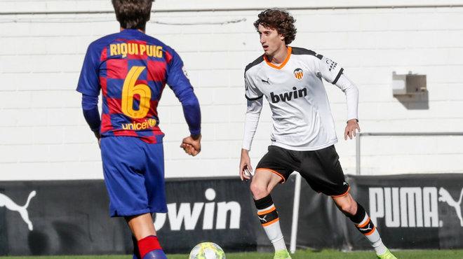 Carlos Pérez, durante el choque ante el Barcelona B.