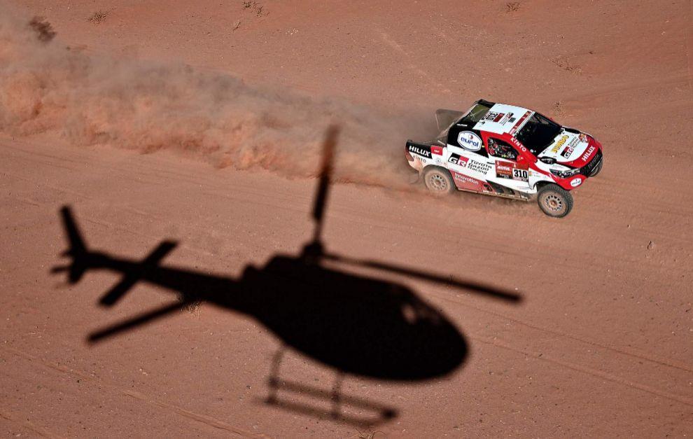 Fernando Alonso, en plena acción con su Toyota.