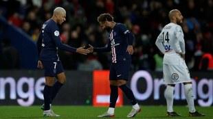 Mbappé y Neymar celebrando.
