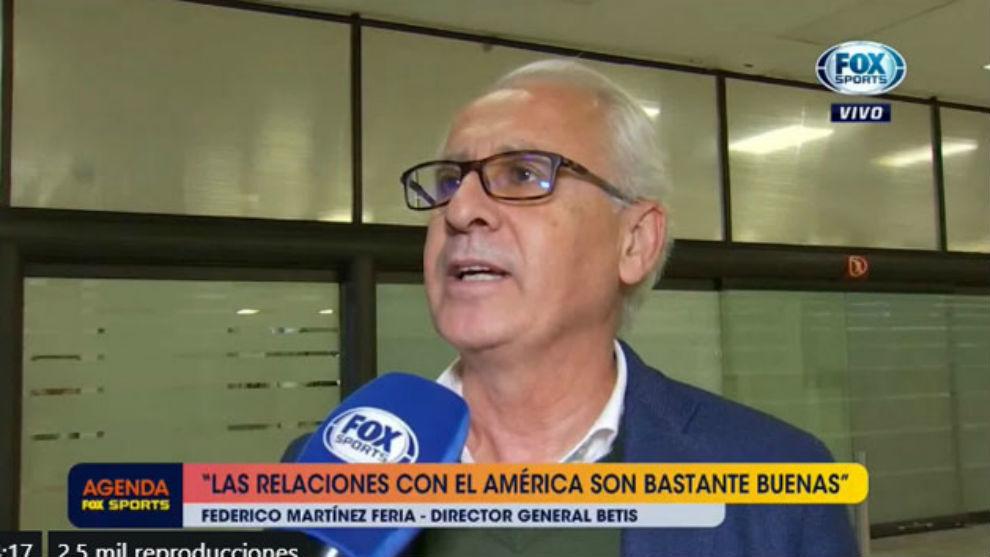 Martínez Feria, atendiendo a FOX Sports