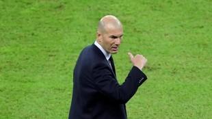 Zidane, durante el partido ante el Valencia.