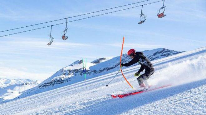 Un esquiador se desliza por una de las pistas de Aramón.
