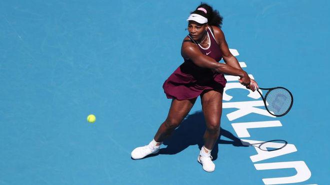 Serena Williams se impuso a la italiana Camila Giorgi