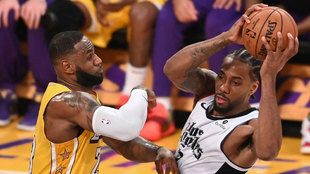 LeBron defiende a Kawhi en el último duelo entre ambos