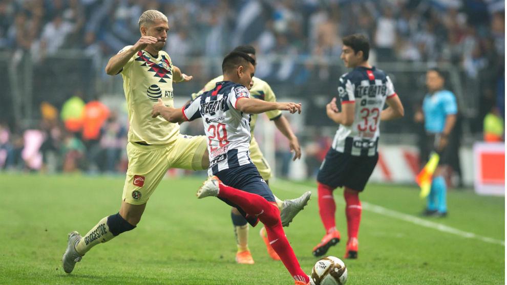 Guido Rodríguez, en un partido frente al Monterrey