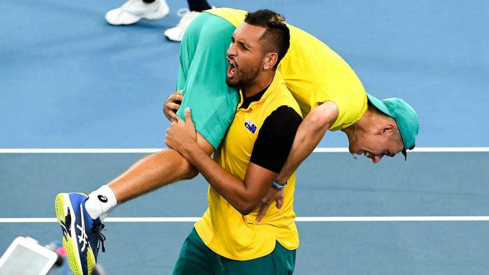 Kyrgios levanta a De Miñaur tras ganar el dobles a Gran Bretaña