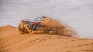 Carlos Sainz, durante la sexta etapa del Dakar 2020.