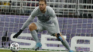 Oblak, durante el partido ante el Barça.