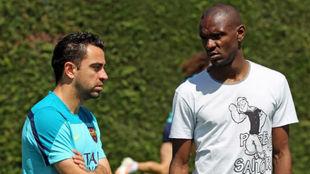 Xavi y Abidal, en la Ciudad Deportiva del Barça.