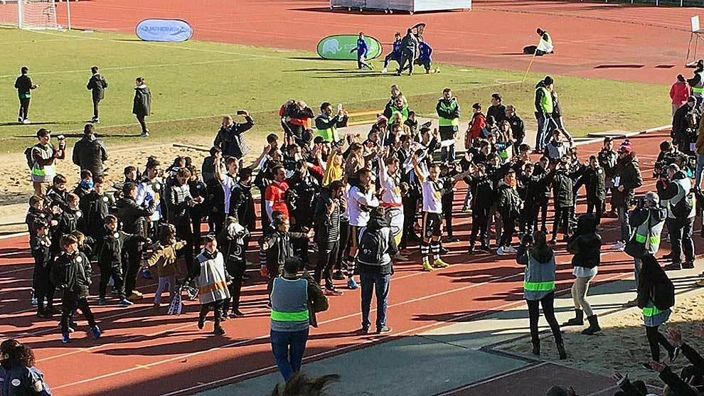 Los jugadores del equipo salmantino celebran su clasificación copera