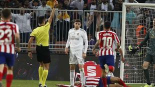 Valverde, en el momento de ser expulsado.