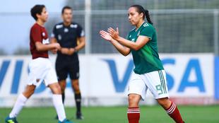 Corral en el premundial con México.