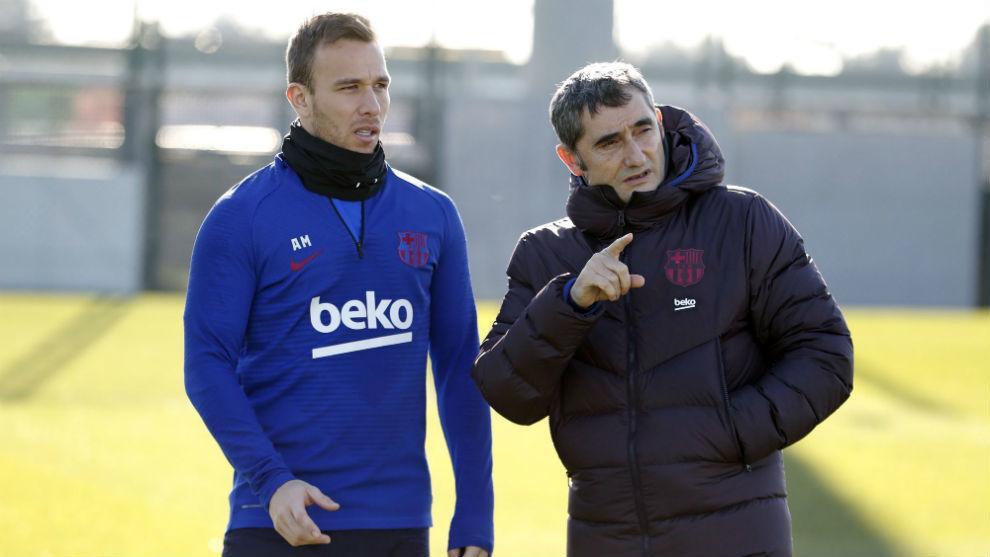 Arthur y Valverde,en la sesión del lunes.