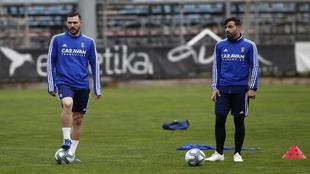 Atienza y Guitián, en un entrenamiento reciente del Zaragoza