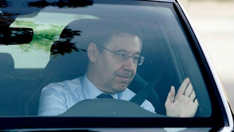 Bartomue, llegando a la reunión con Valverde.