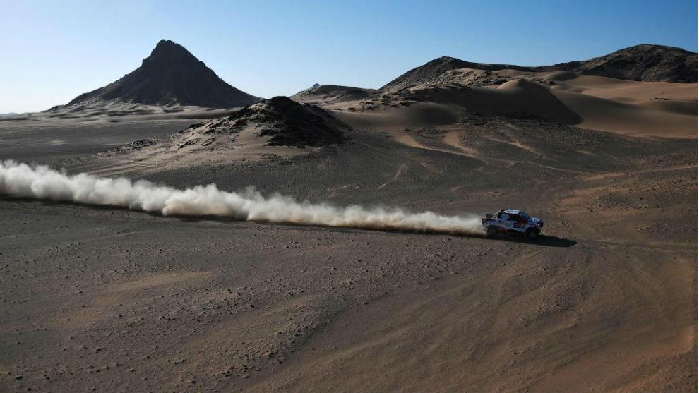 Fernando Alonso, durante la espectacular etapa 8 del Dakar.