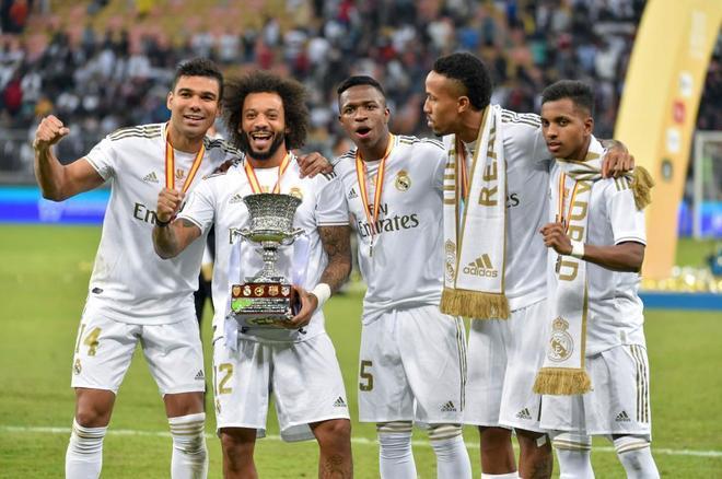 Casemiro, Marcelo, Vinicius, Militao and Rodrygo with the Supercopa...