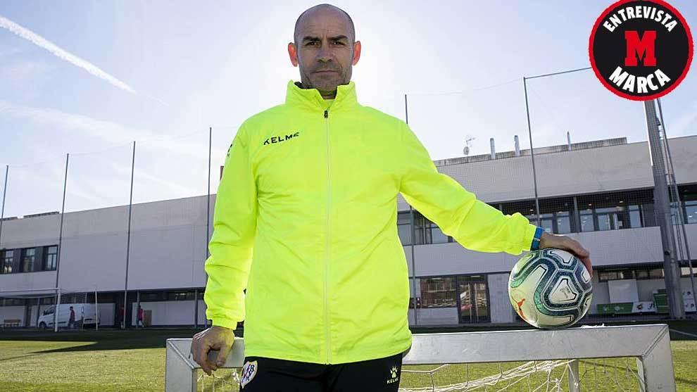 Paco Jémez posa para MARCA antes de la entrevista en la Ciudad...