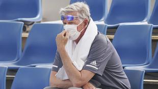 Un espectador durante las primeras exhibiciones en el Australia Open.