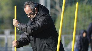 Álvaro Cervera, en un entrenamiento del Cádiz.