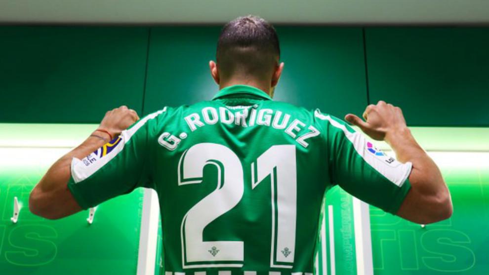 Guido, con el dorsal 21 que lucirá en el Betis