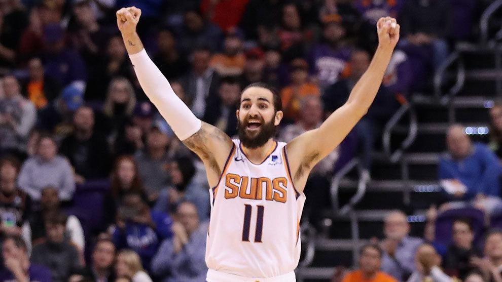 Ricky Rubio celebra una victoria de los Suns