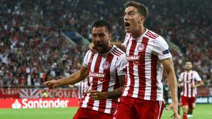 Guerrero celebra un gol con Olympiacos en Champions