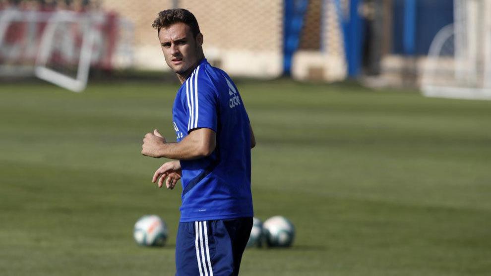 Lasure, en un entrenamiento del Zaragoza.