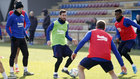 El Barça se entrena a las órdenes de Setién.