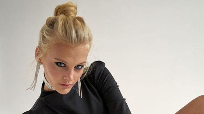 La modelo rusa Ksenia Puntus pelea por su vida tras caer desnuda desde...