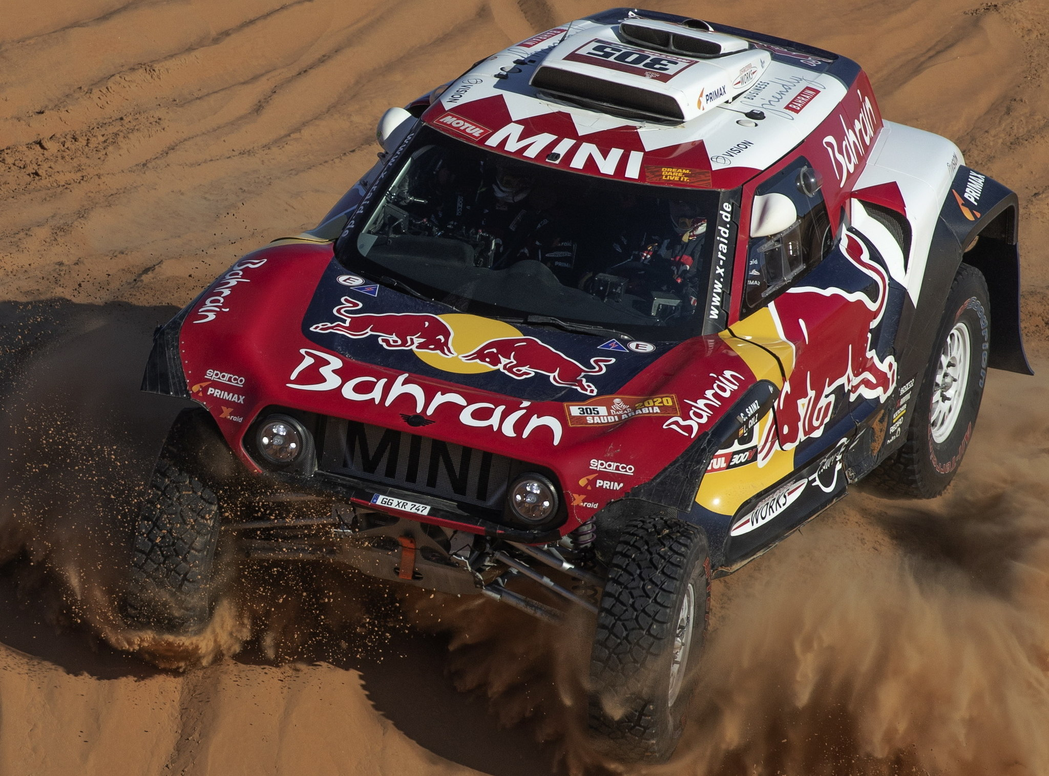 Haradh (Saudi Arabia), 16/01/2020.- Carlos <HIT>Sainz</HIT> of Spain in action during the stage eleven of the Rally Dakar 2020 between Shubaytah and Haradh in Saudi Arabia, 16 January 2020. The Rally Dakar takes place in Saudi Arabia from 05 to 17 January 2020. (Arabia Saudita, España) EFE/EPA/ANDRE PAIN