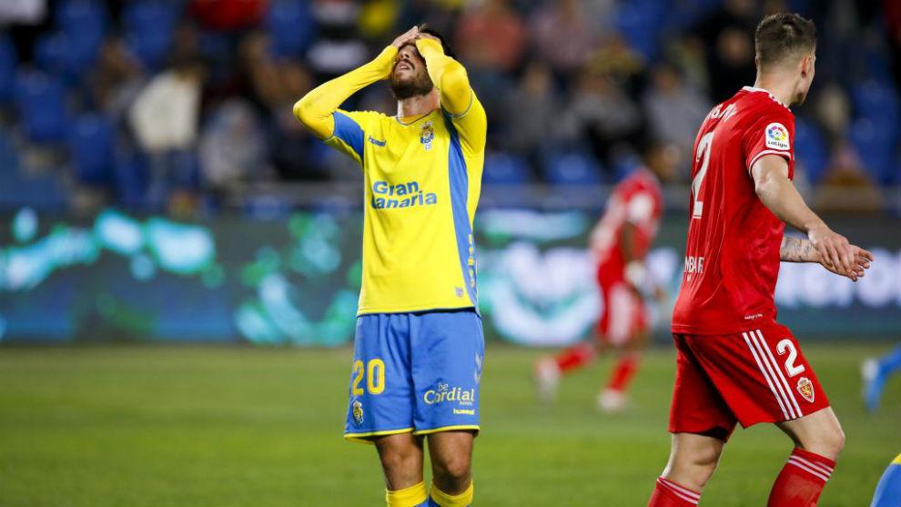 Kirian se lamenta ante el Zaragoza.