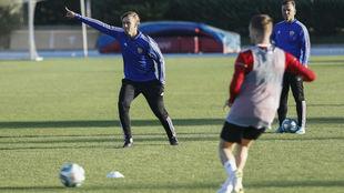 Guti, durante un entrenamiento con el Almería.