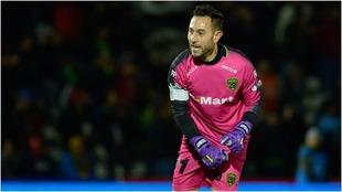 Mellado le regala un gol a los Pumas.