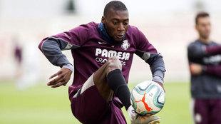 Toko Ekambi, en un entrenamiento del Villarreal.
