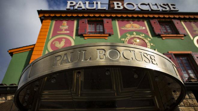 El restaurante del difunto Paul Bocuse pierde su tercera estrella...