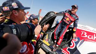 Carlos Sainz después de conquistar el Rally Dakar.