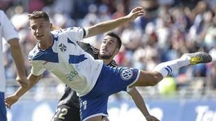 Joselu, detrás de Jorge, en el partido de hace dos temporadas en el...