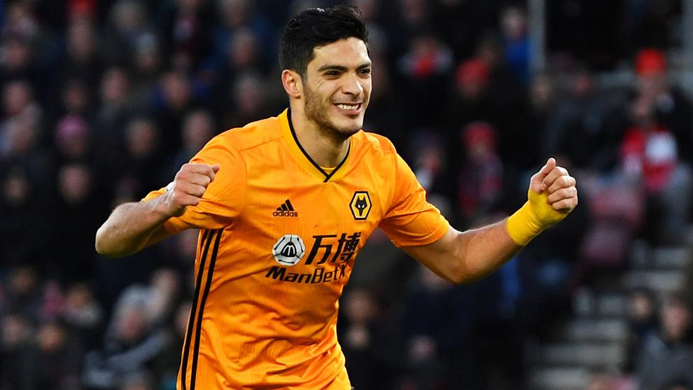 Raul Jiménez hace historia con doblete para los Wolves
