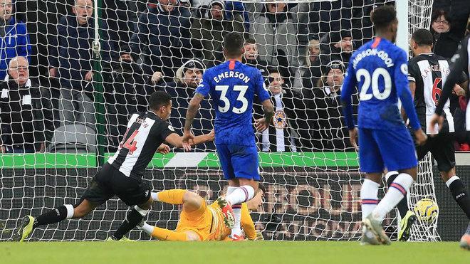Hayden marca el gol del triunfo ante el Chelsea.