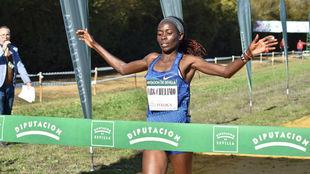 La keniana Margaret Chelimo, ganadora en Itálica.