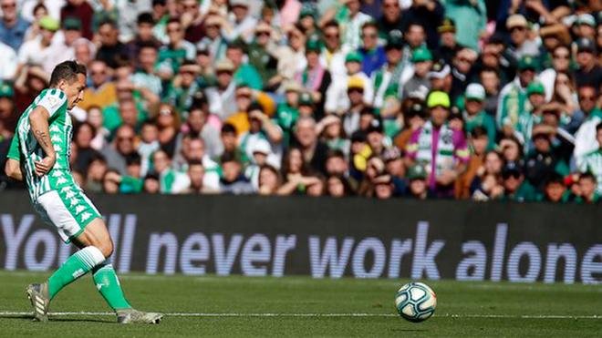 Andrés Guardado lució en la victoria del Betis.